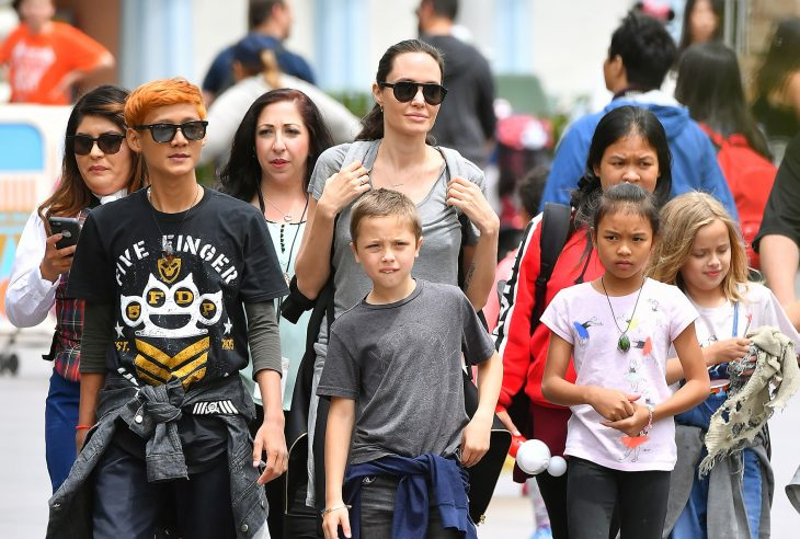 Photo © 2017 Mega/The Grosby Group  PREMIUM EXCLUSIVE Anaheim, May 26, 2017. Angelina Jolie celebrates Shiloh's 11th birthday with an incredibly fun day at Disneyland. The mother and daughter pair were joined by Angie's other kids Knox, Vivienne and Zahara, and a group of friends visiting from Cambodia. The group celebrated with Birthday Churros and riding rides including Space Mountain, Thunder Mountain, the Teacups, Alice in wonderland, small world, the matterhorn, and many other of the park's attractions.