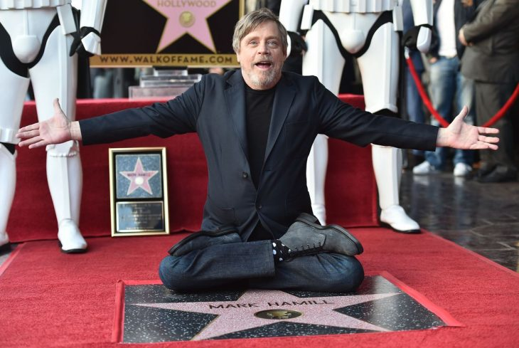 actor-estadounidense-mark-hamill-desvela-estrella-paseo-la-fama-hollywood