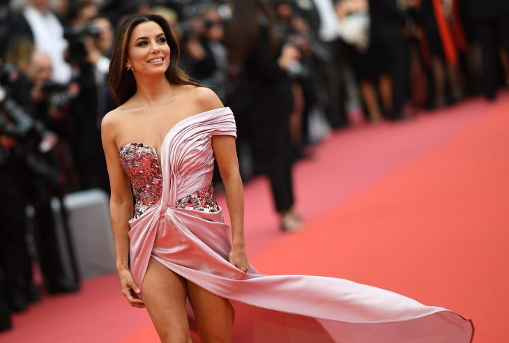 """US actress Eva Longoria poses as she arrives for the screening of the film """"The Dead Don't Die"""" during the 72nd edition of the Cannes Film Festival in Cannes, southern France, on May 14, 2019. (Photo by LOIC VENANCE / AFP)"""