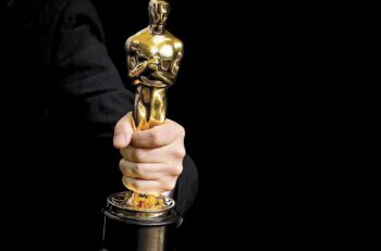 HOLLYWOOD, CA - MARCH 04: (EDITORS NOTE: Image has been digitally retouched) Academy Award winner´s hand holding an Oscar statue in the press room during the 90th Annual Academy Awards at Hollywood & Highland Center on March 4, 2018 in Hollywood, California.  (Photo by Kurt Krieger/Corbis via Getty Images)